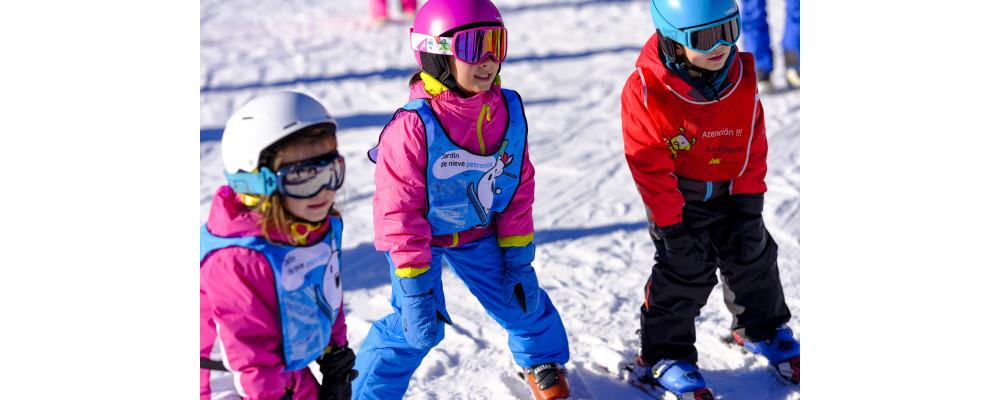 Fabricant Dossards de ski personnalisés Pyrénées pour écoles, enterprises, stations de ski, clubs sportifs - Dossards de ski PRONENS