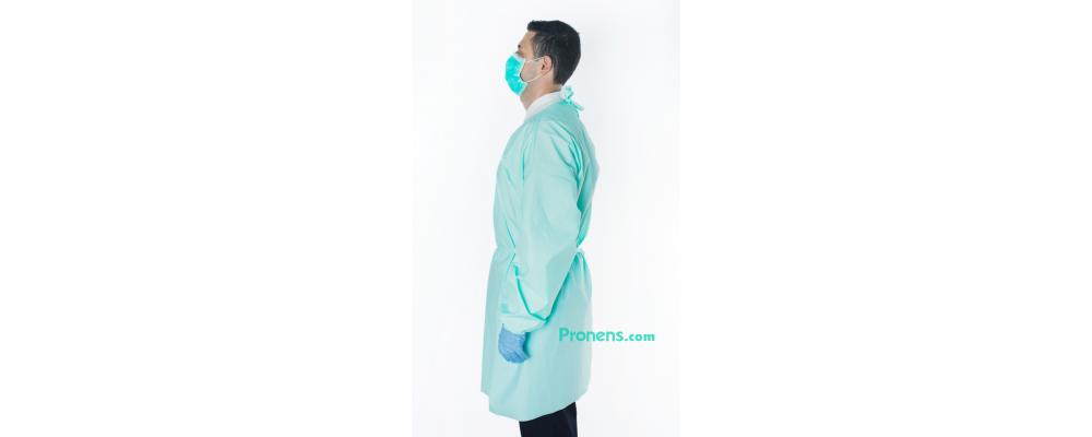 Lateral Bata sanitaria desechable impermeable TNT 100gr - Batas sanitarias impermeables Pronens